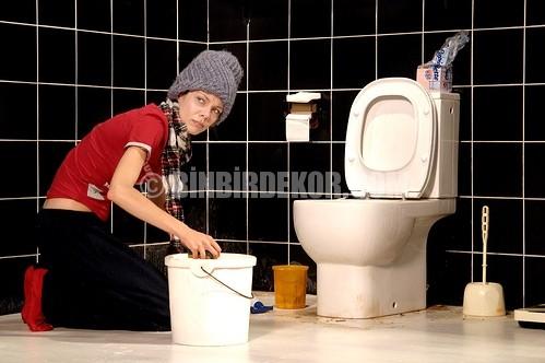 Banyo ve Duşakabindeki Küfler Nasıl Temizlenir
