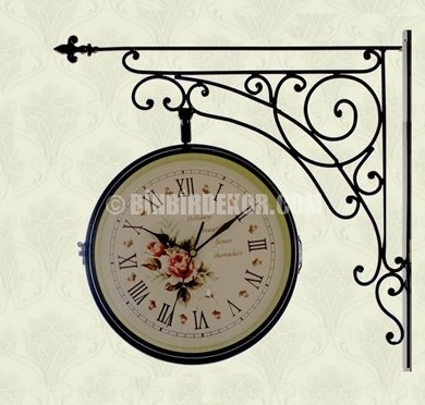 Çok orjinal çift taraflı duvar saatleri