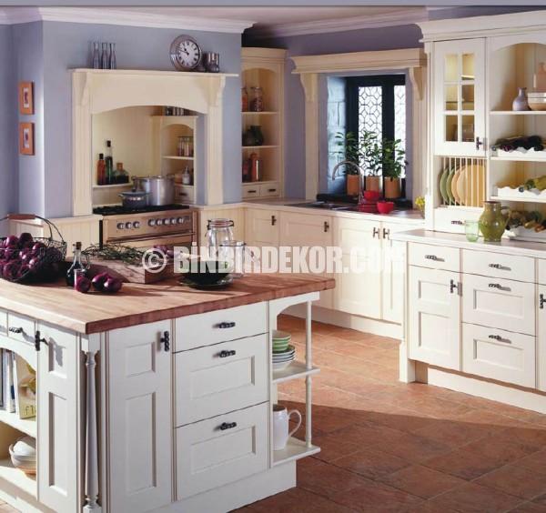 Contemporary Cottage Style Kitchen: Geleneksel İngiliz Mutfak Dekorasyonları
