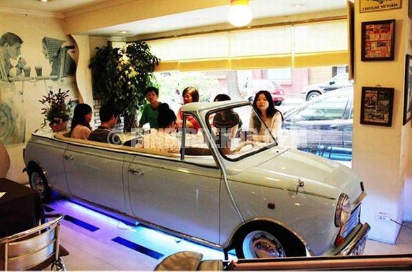 Otomobil temalı ilginç bir restaurant dekorasyonu