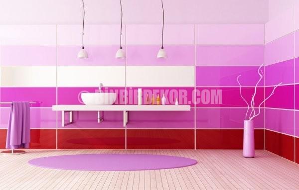 Pembe tonlarında banyo dekorasyonları