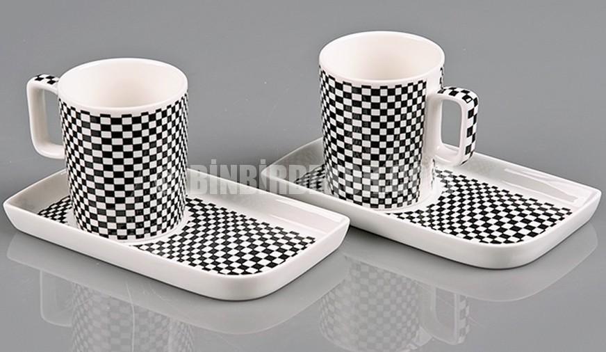 Nescafe sevenlere şık kahve setleri