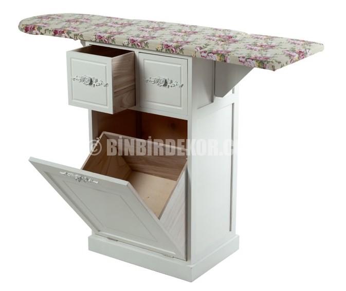 Kervan 'dan fonksiyonel ütü masası