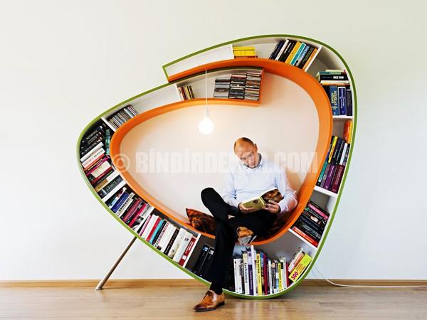 Kitap kurtları için fantastik kitaplık