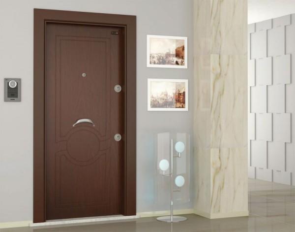 Eski çelik kapılarınızı yenileyin