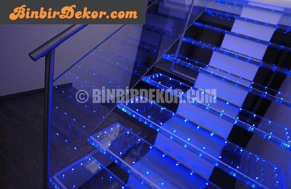 Led Işıklı cam merdiven
