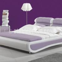 ... Dekorasyon Fikirleri /mor duvar ve lila beyaz renklerle yatak odası