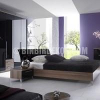 mor beyaz ve siyah renklerle italyan tasarım yatak odası dekorasyonu