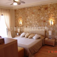In Many Colors: Stylish Bedroom Wall Ideas With Beige Stone Decoration ...
