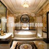 luxury gilted bathroom Why Italian Style Home Decor Is So Popular