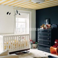 2014 If stripes aren't your thing, there is always the option of wall paper Galeri