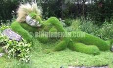 Birbirinden Tuhaf Çim Bahçe Heykelleri !..