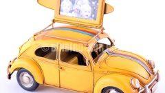 Resim çerçeveli maket arabalar