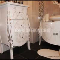 Bombeli Banyo Dolabı Modeli