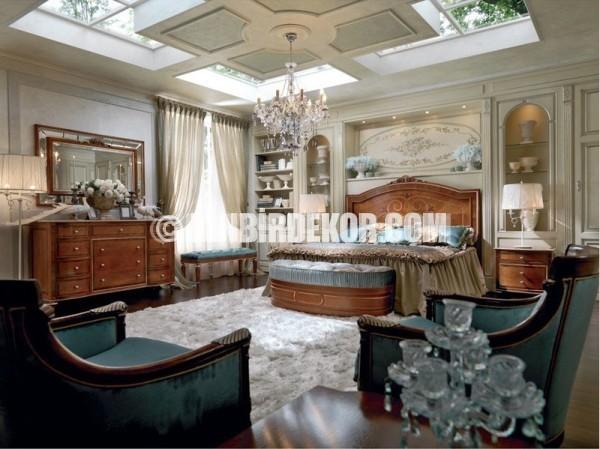 luxury bedroom Why Italian Style Home Decor Is So Popular