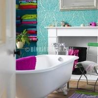 Güzel dekorasyonda mor turkuaz renk kullanimi turkuaz desenli duvar kagidi Modelleri