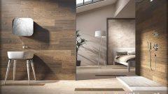 İki Renkli Banyo Dekorasyonu Siyah ve Kahve Seramikler